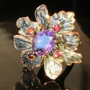 Exquisite Genuine Amethyst Ring with Gems